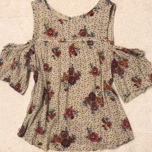 ‼️SALE‼️Cold shoulder blouse